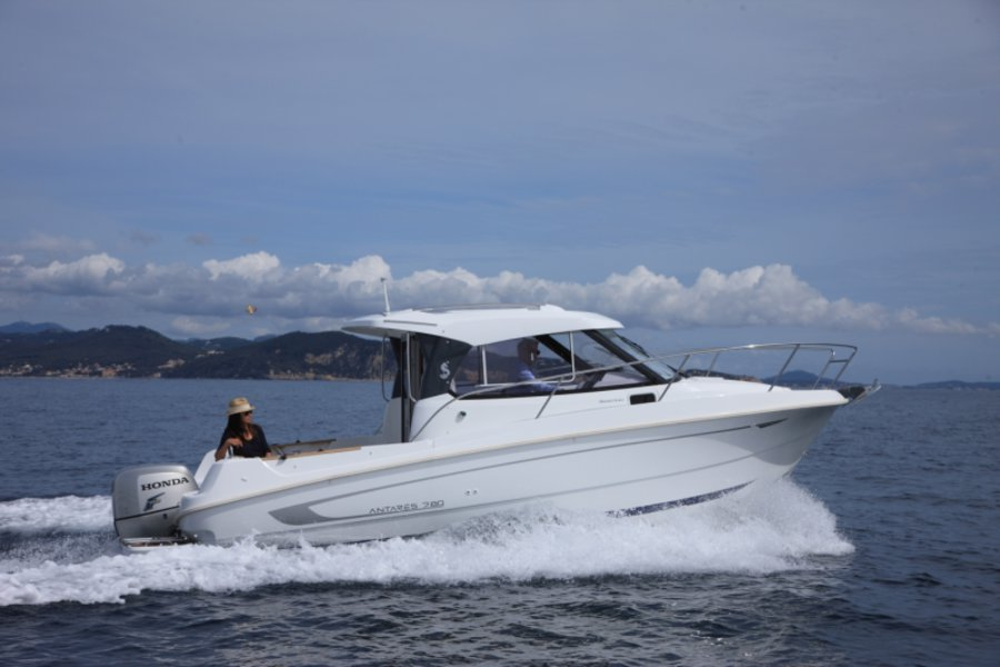Beneteau Antares 780 A List Of Motor Yachts To Rent By Maran